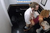 The bathroom of the restaurant can be a good place to fuck the waiter and be unfaithful to the groom. Xianna shows why you should always keep your girlfriend happy, because if not, she will fuck in the bathroom with the waiter.